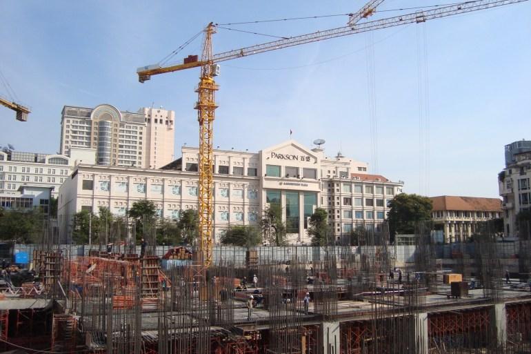Bên trong công trường xây cao ốc