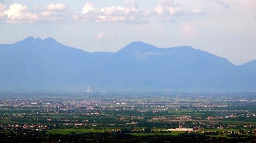 Núi Tamdao, nhìn từ Bavi